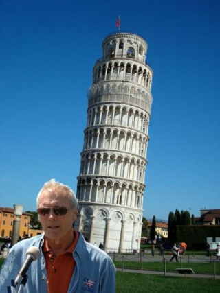 Clint-eastwood-and-leaning-tower-of-pisa